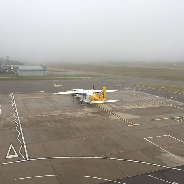 #fog patches at #guernseyairport this afternoon #guernsey #aurigny flybe blueislandsofficial