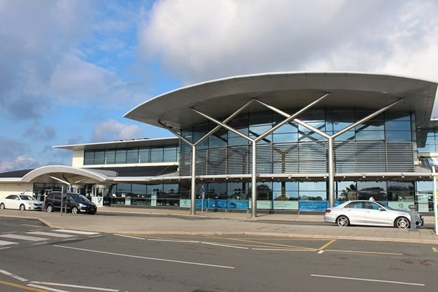 Update. The Guernsey Airport forecourt is now reopen again to the public, following its temporary closure for a short time earlier today. 18th December 2018. Many thanks to the Guernsey Fire and Rescue Service for their help.