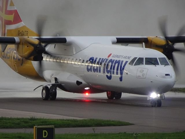 Facemasks now required for all Aurigny passenger services https//bit.ly/3h5KJKE