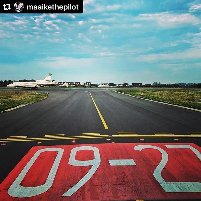 #Repost maaikethepilot with makerepostNumber two for departure, behind this beautiful Falcon 7x  Its only a little faster than our ATR...