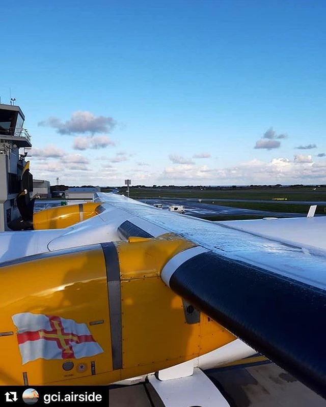 #Repost gci.airside with makerepostView from the deicing rig a few mornings ago  #guernseyairport #avgeek #airport #egjb #aviationgeek #aviationphoto #aircraft #travel #aviation #aviation4u #avpic #jetpic #guernsey #airplane