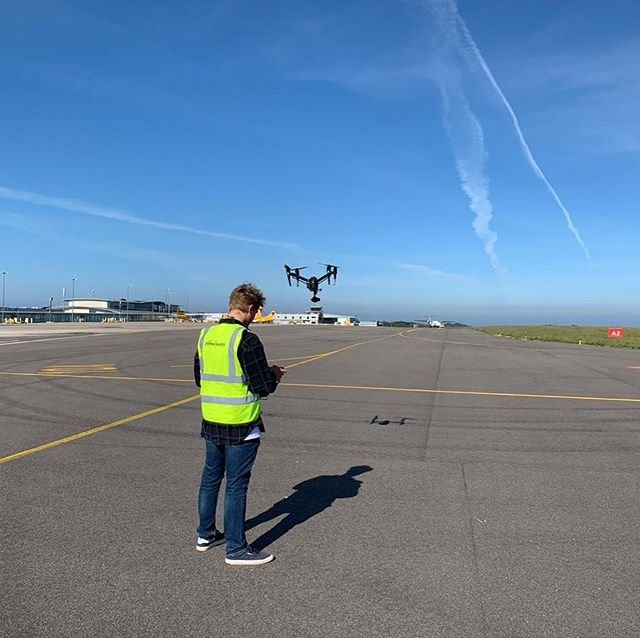 Whilst the aerodrome is currently closed. We are using a drone on to gather footage of the airport. This is an authorised flight working with the tdr.elliott #dronesafety #dronephotography #dronevideo